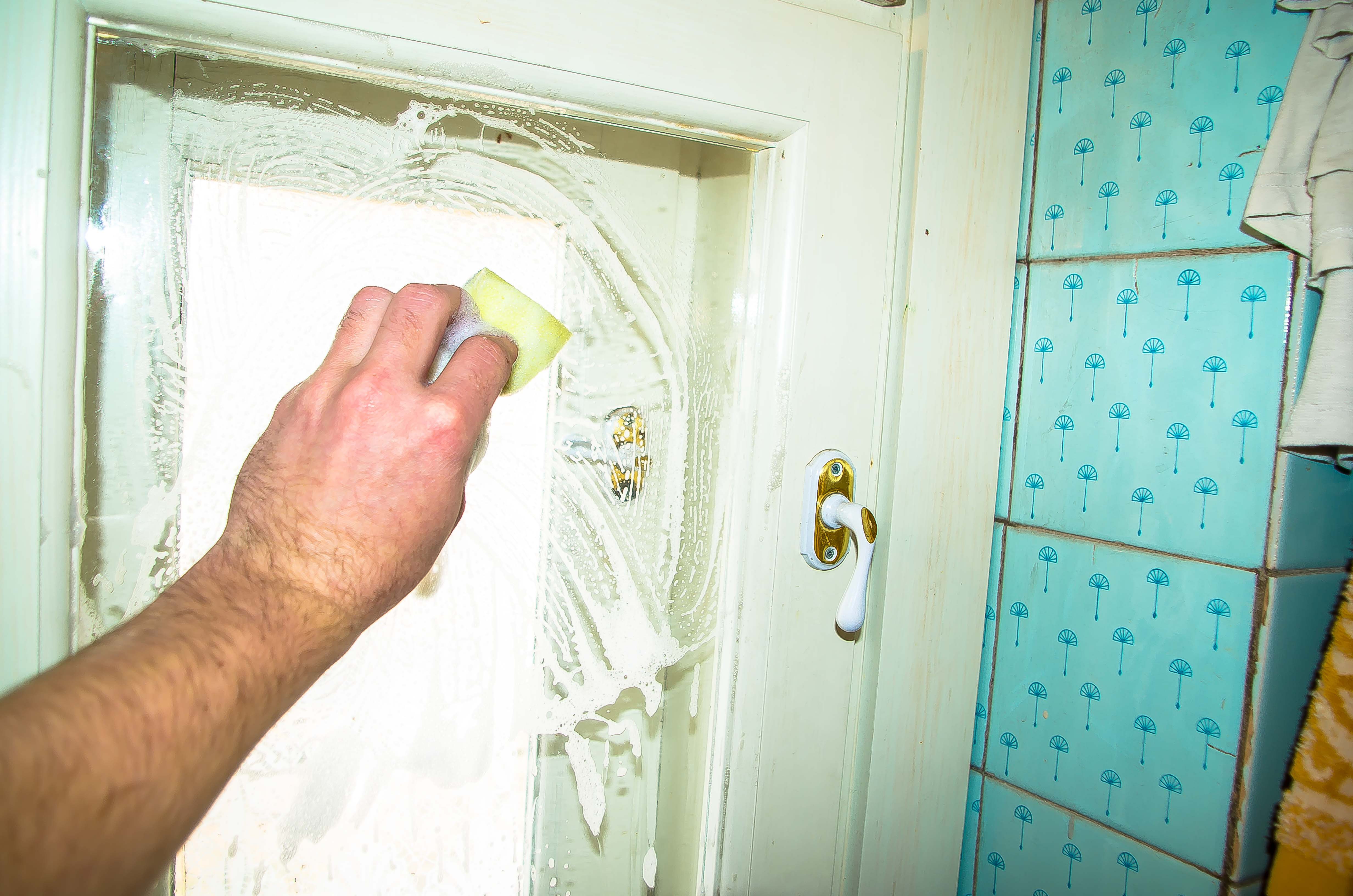 Как помыть окна своими руками?